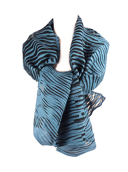 Accordion Drape Pleats Scarf in Blue & Black