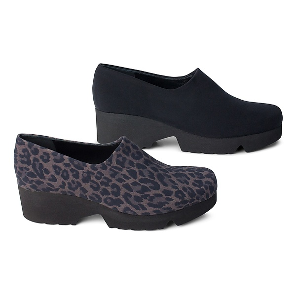 new product fa031 c379b Wanderlust Shoe