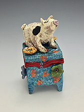 Pinky by Lilia Venier (Ceramic Box)