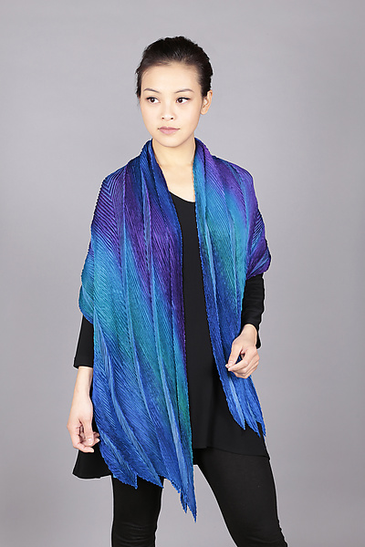 Feather Pleats Shawl in Blues