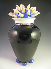 Anenome Vase with Lid on Four Balls by Lisa Scroggins (Ceramic Vase)