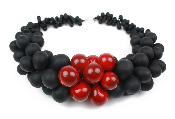 OvO Cluster Necklace in Black and Red