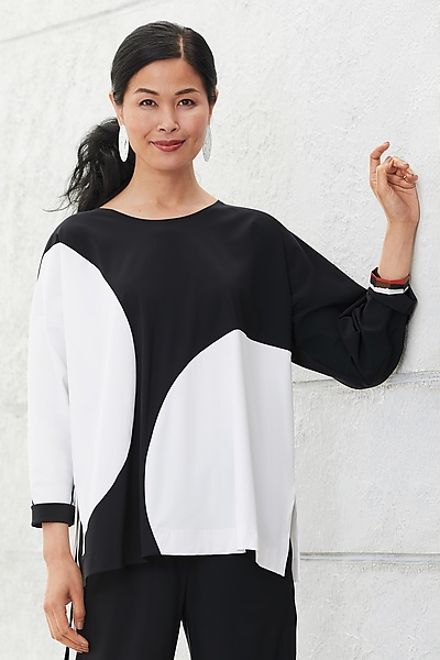 Eclipse Travel Top