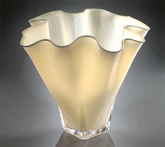 Shell Bowl Form (Opaque Ivory)