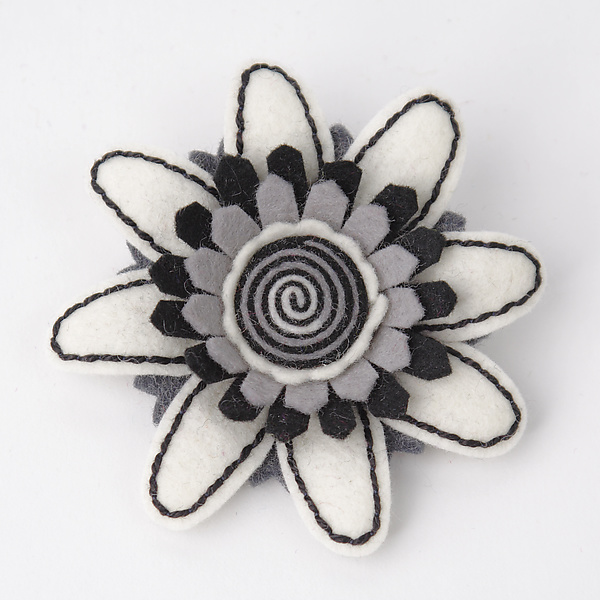 Daisy Felt Flower Pin