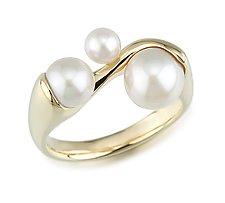Pearl Ring by Alexan Cerna and Gina  Tackett (Gold & Pearl Ring)
