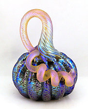 Miniature Iridescent Leopard Pumpkin by Ken Hanson and Ingrid Hanson (Art Glass Sculpture)