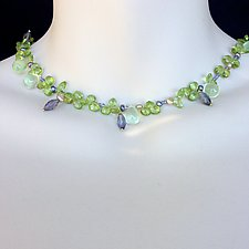 Garden of Gemstones Green Delight 18 kt gold Clasp by Kathleen Lynagh (Gold & Stone Necklace)