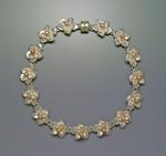Rounded Bloom Bracelet by Ellen Vontillius (Silver & Pearl Bracelet)