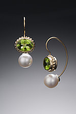 Jemloch Earring with Peridot by Samantha Freeman (Silver, Stone & Pearl Earrings)