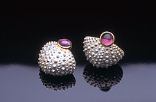 Deep Sea Basket in Pink by Hratch Babikian (Gold, Silver & Stone Earrings)