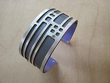 Small Chicago in Gray by Gogo Borgerding (Silver & Aluminum Bracelet)