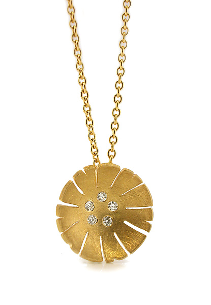 Flower Pendant in 18K and Diamond