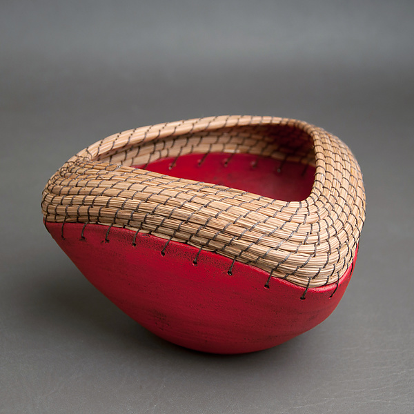 Triangle bowl in red
