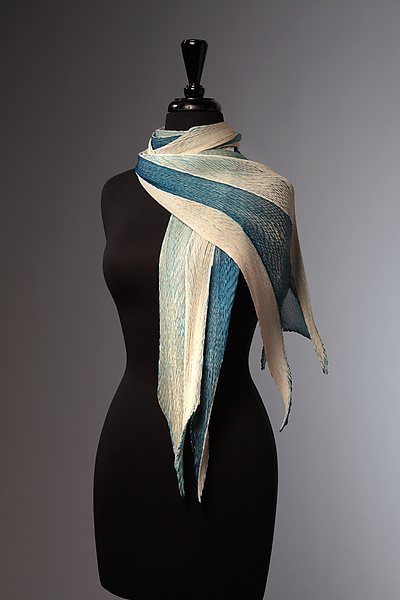 Silk Single Pleat Scarf in Ivory and Indigo