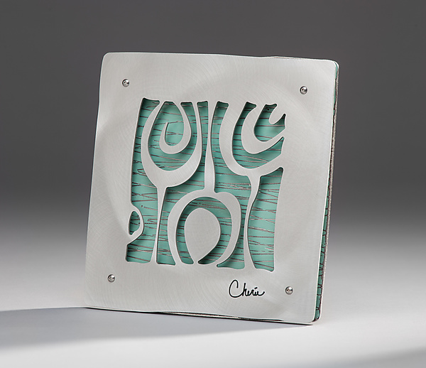 "7"" Tile with Onion Motif"