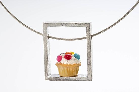 Cupcake Pendant Speckled