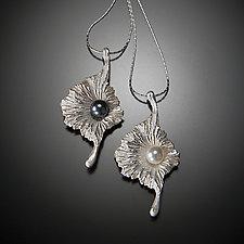 Solanum by Aleksandra Vali (Silver & Pearl Necklace)