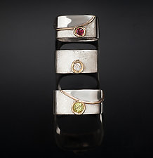 The Wave Solitaire Stackers by Chi Cheng Lee (Gold, Silver & Stone Ring)