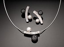 Balanced Ying Yan Jewelry by Chi Cheng Lee (Silver & Stone Jewelry)