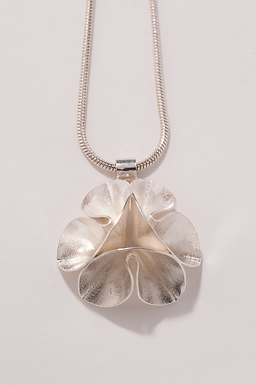 Folded Leaf - Single Flower Necklace
