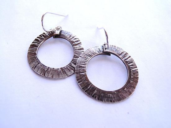 Small Forged Circle earrings