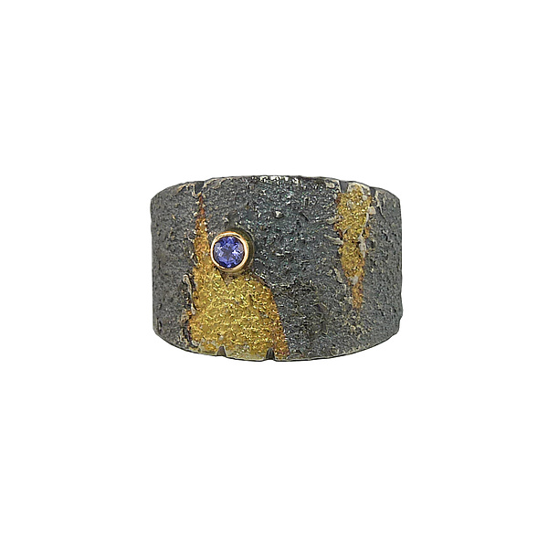Tapered Pebble Band with Gold