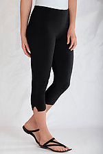 Matte Jersey Capri Leggings by Planet   (Knit Pant)