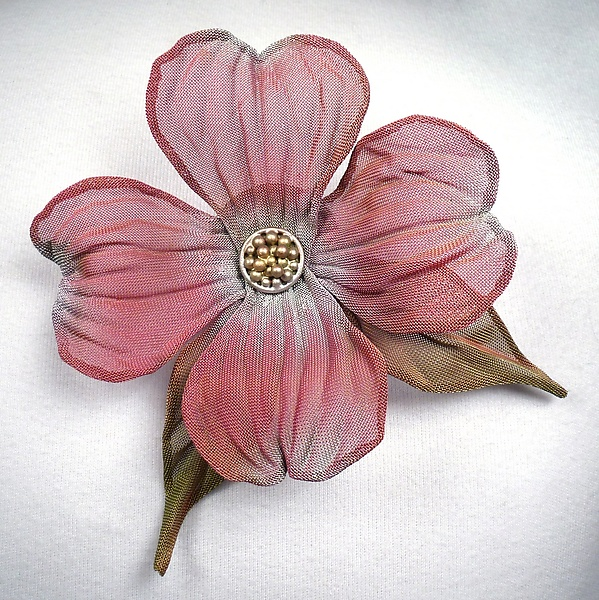 Dogwood Bloom with Leaves Pin