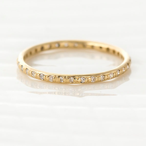 Round Diamond Eternity Band in 14k Yellow Gold
