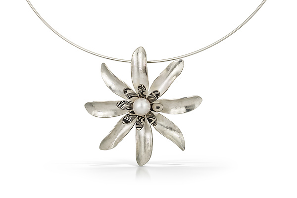Dahlia Pendant Necklace with White Pearl