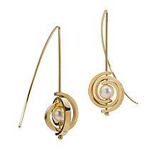 Inspiro Petite Spiral Earrings by Martha Seely (Gold & Pearl Earring)