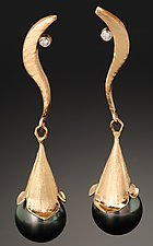 Black Pearl Earrings by Rosario Garcia (Gold, Stone & Pearl Earrings)
