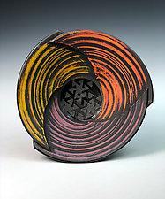 Bowl with Pinwheel Pattern II by Thomas Harris (Ceramic Platter)