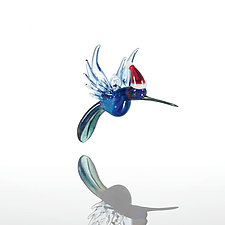 Holiday Hummingbird by Kevin McKay, Maki Kawakubo and Kirsten Loewen (Art Glass Ornament)