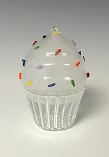 Cupcake Keepsake Boxes by Sage Churchill-Foster (Art Glass Boxes)