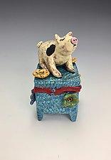 Pinky by Lilia Venier (Ceramic Box)