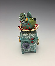 Taking a Break I by Lilia Venier (Ceramic Box)