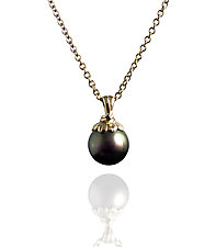 Under Tahitian Shade by Veronica Eckert (Gold & Pearl Necklace)