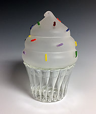 Cupcake Keepsake Box Trio by Sage Churchill-Foster (Art Glass Boxes)