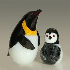 Emperor Penguin and Emperor Chick by Orient & Flume Art Glass (Art Glass Sculpture)