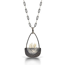 Pendulum Bateaux Necklace by Sarah Chapman (Silver Necklace& Pearl)