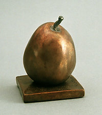 Sumo Pear - Poire de Sumo by Darlis Lamb (Bronze Sculpture)