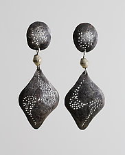 Swirl-Patterned Arrowhead by John Siever (Silver Earrings)