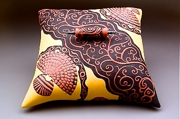 Scroll Pillow Box