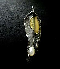 Brooch-Pendant by Sonia Beauchesne (Gold, Silver & Pearl Brooch)