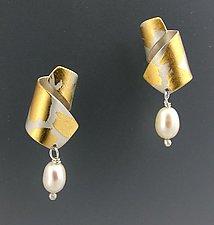 La Petite by Judith Neugebauer (Gold, Silver & Pearl Earrings)