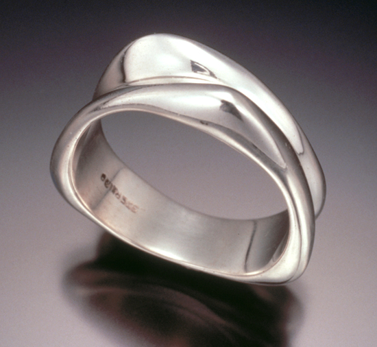 2-Band Triangle Ring