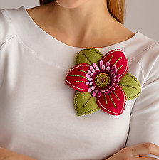 Trillium Felt Flower Brooch by Renee Roeder-Earley  (Felt Brooch)