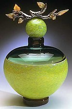 Grana Zelena (Green Branch Vessel) by Eric Bladholm (Art Glass Vessel)